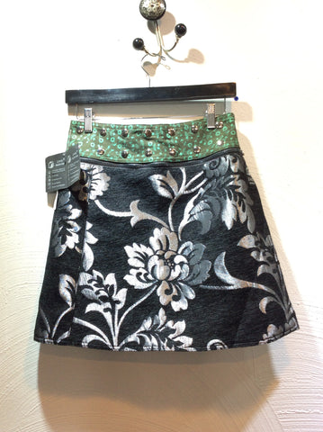 "17"" Jacquard Reversible Skirt  (sizes 0 to 12)"