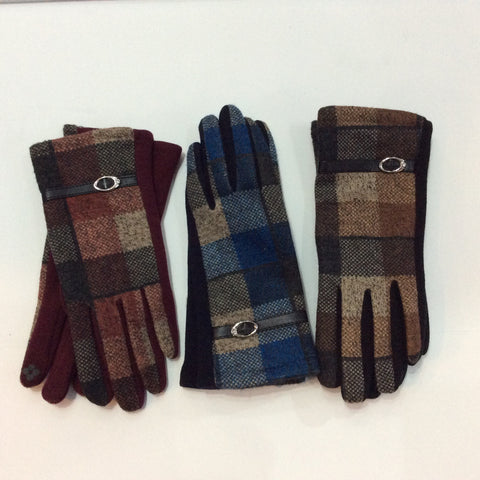 Plaid gloves with leather buckle trim