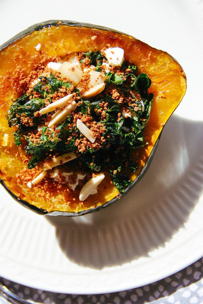 Acorn squash stuffed with kale, goat cheese, almonds, pear, vegetarian, dinner, supper club, healthy living, healthy eating, easy recipe
