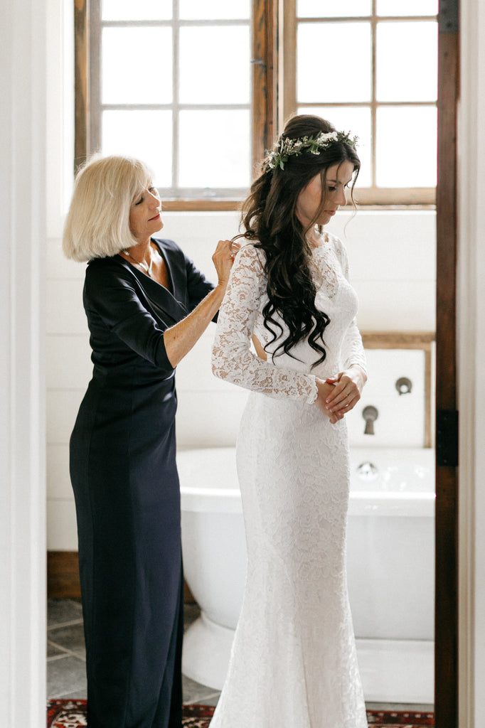 Mother of the bride, wedding preparation, wedding day