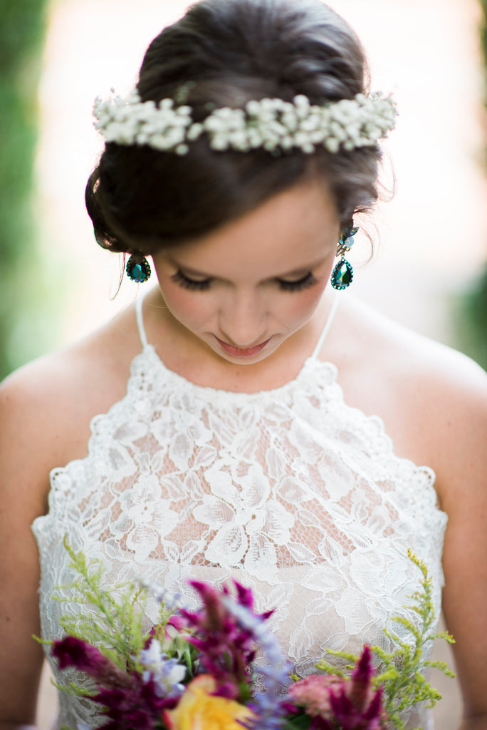 Southern bride, wedding, bouquet, bridal portrait, earrings, bridal jewelry, floral