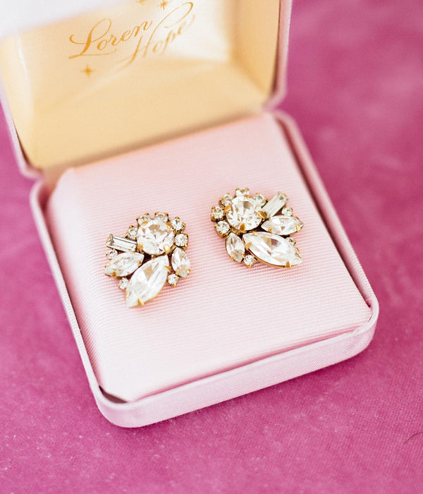 Small Vintage Style Pink Gift Box - Stud Earrings
