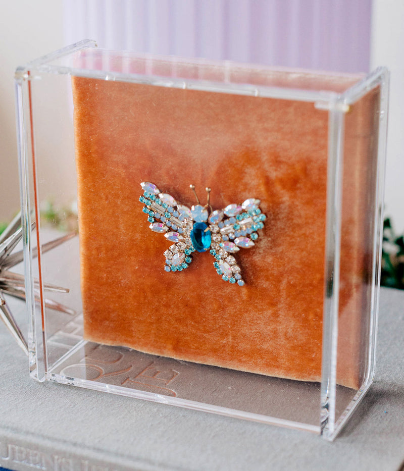 MEDIUM BUTTERFLY IN AQUA / IRIDESCENT