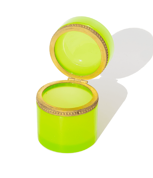 Round Bright Green Opaline Glass Box