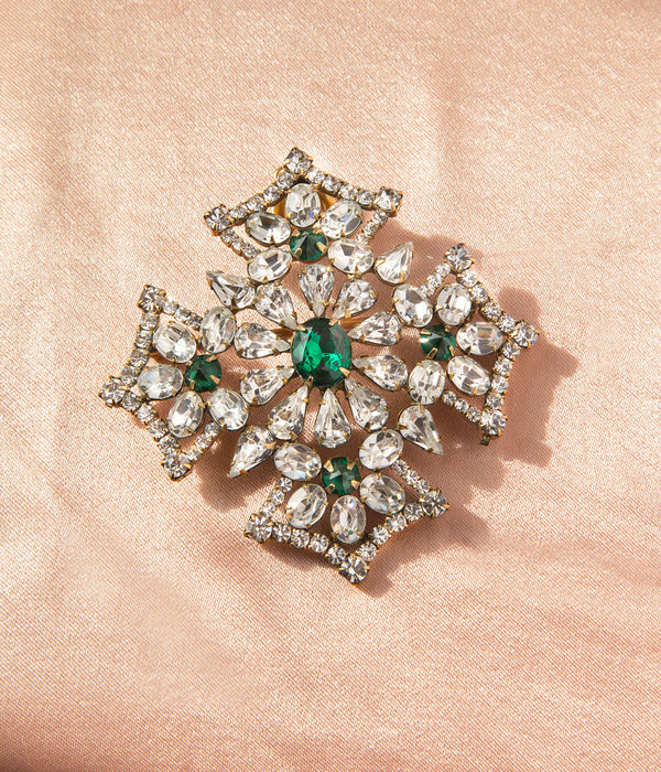 Jacqueline Brooch in Crystal / Emerald