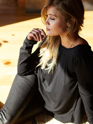 AMANDA Drop Back Long Sleeve Tee