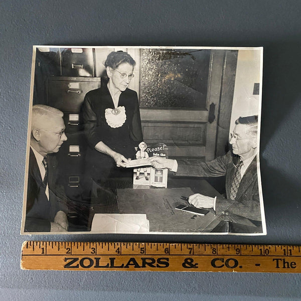 "Wooden Agency Insurance Salesmen Vintage 8"" x 10"" Photo Bowling Green Ohio"