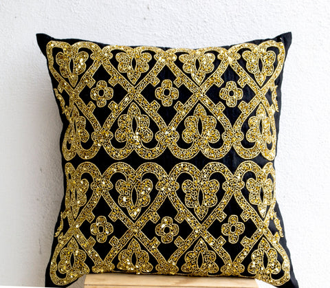 Handmade shiny gold pillow cover with glitter pattern