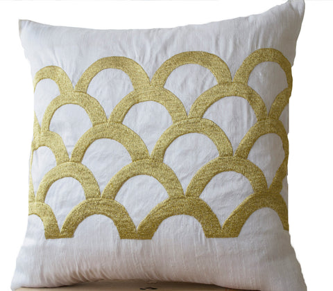 Handmade white gold pillow with Japanese embroidery