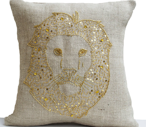 Wildlife pillow with embroidery and gold sequin
