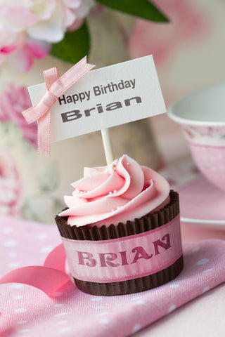 Pink Birthday Cupcake With Sign / 100665
