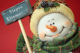 Snow Man Holding Sign / 100492