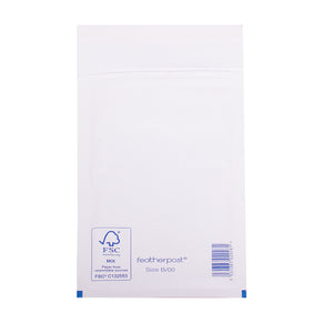 Padded Bubble Envelope in White Internal Size 120x215mm B/00