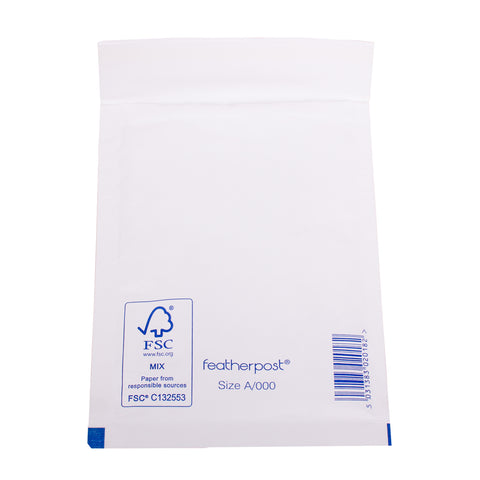Padded Bubble Envelope in White Internal Size 120x165mm A/000