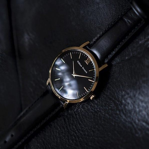 Watch - CLASSIC GOLDEN BLACK