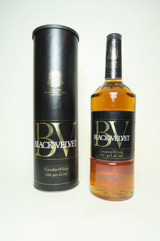 Black Velvet Blended Canadian Whisky - Distilled 1974, (40%, 100cl)