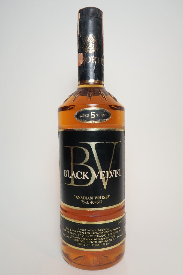Black Velvet 5YO Blended Canadian Whisky - Distilled 1974 / Bottled 1979 (40%, 75cl)