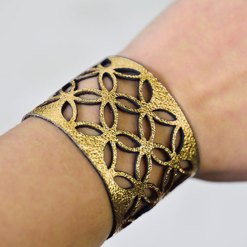 Azulejo Medium Leather Cuff - Silver