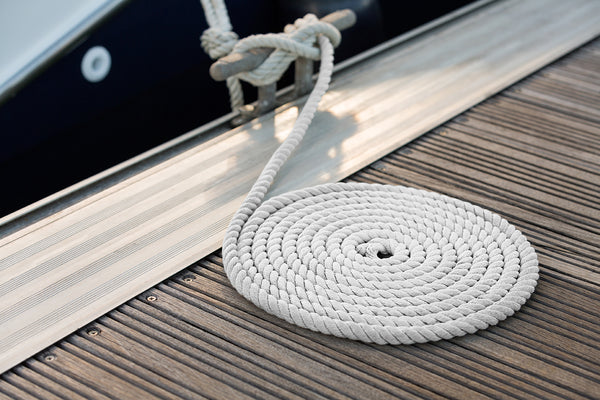 "5/8"" x 30' White 3 Strand Twisted Nylon Dock Line - For Boats up to 45' -  Sold Individually"