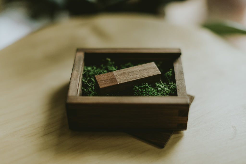wooden packaging for wedding photographers