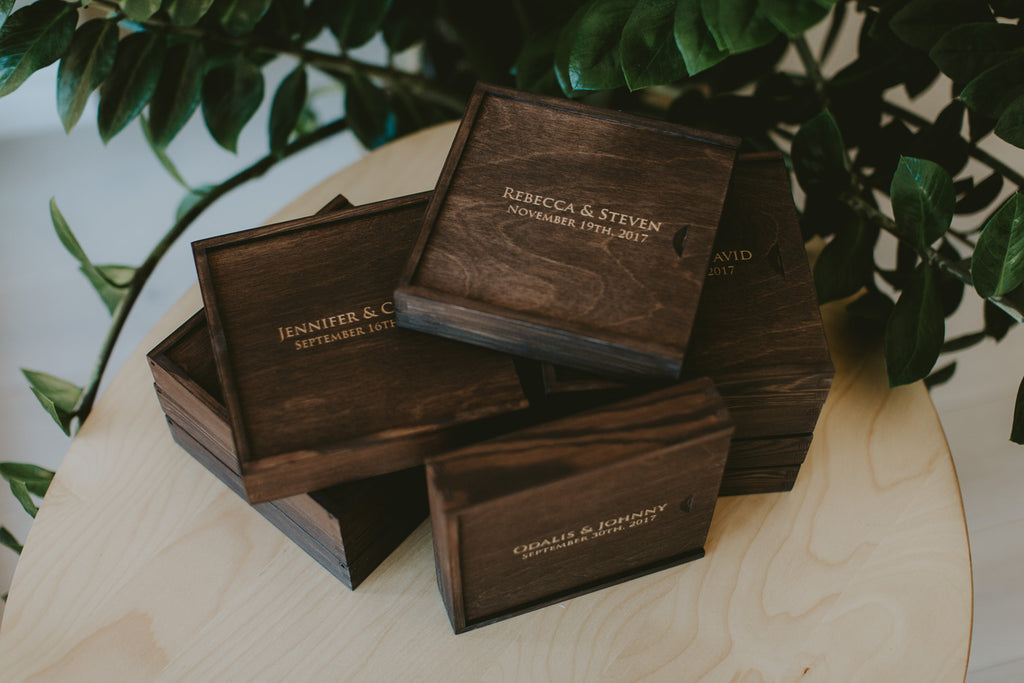 wedding photographer wooden boxes