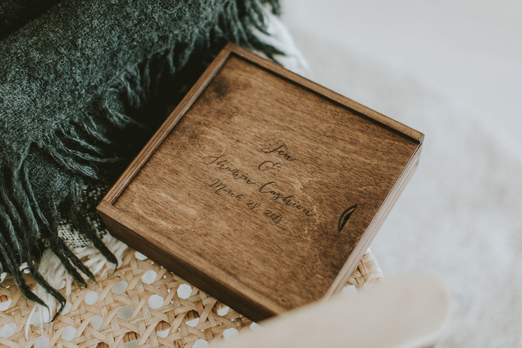 wedding photographer wooden box