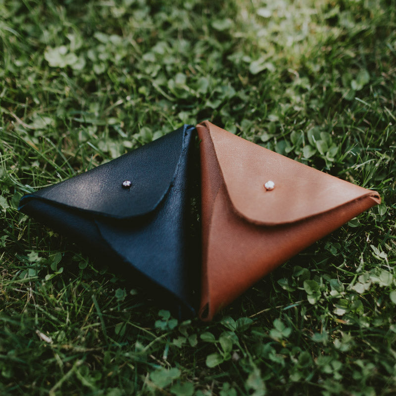 Leather pouch for USB (black)