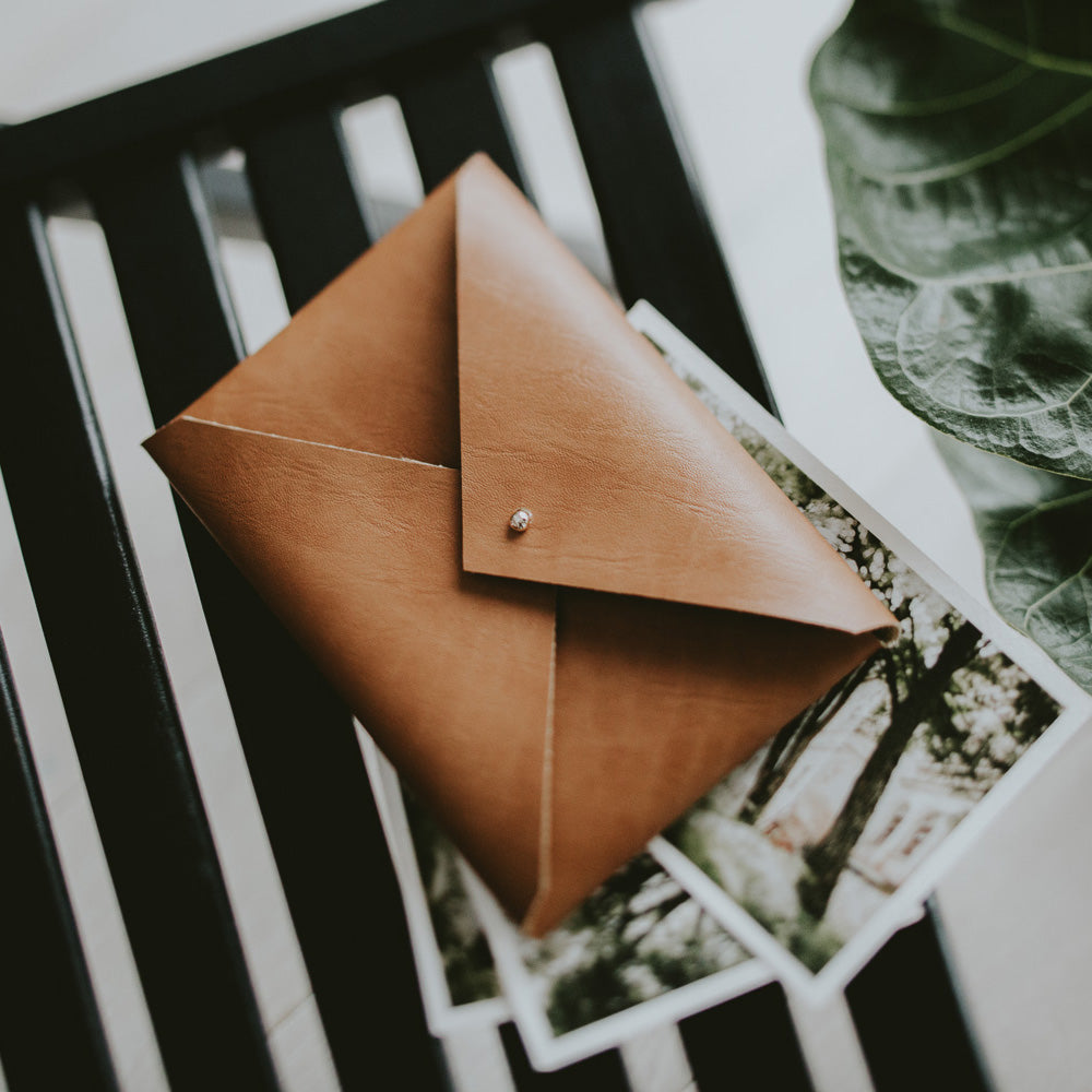Vegan Leather envelope for prints | Cognac brown