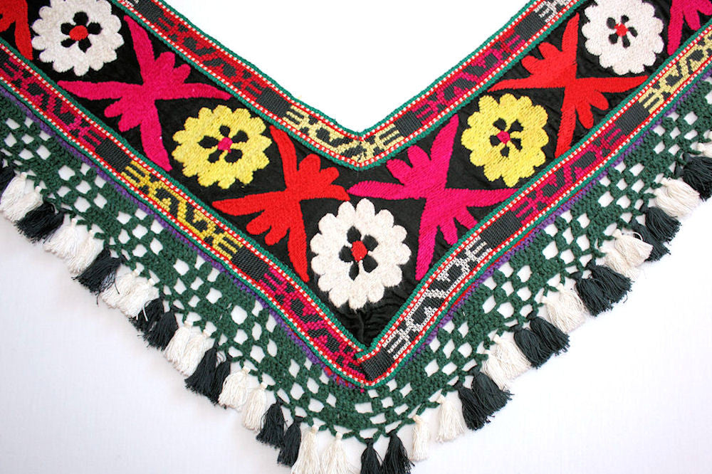 Tribal Bellydance Saye-Gosha close up of embroidery