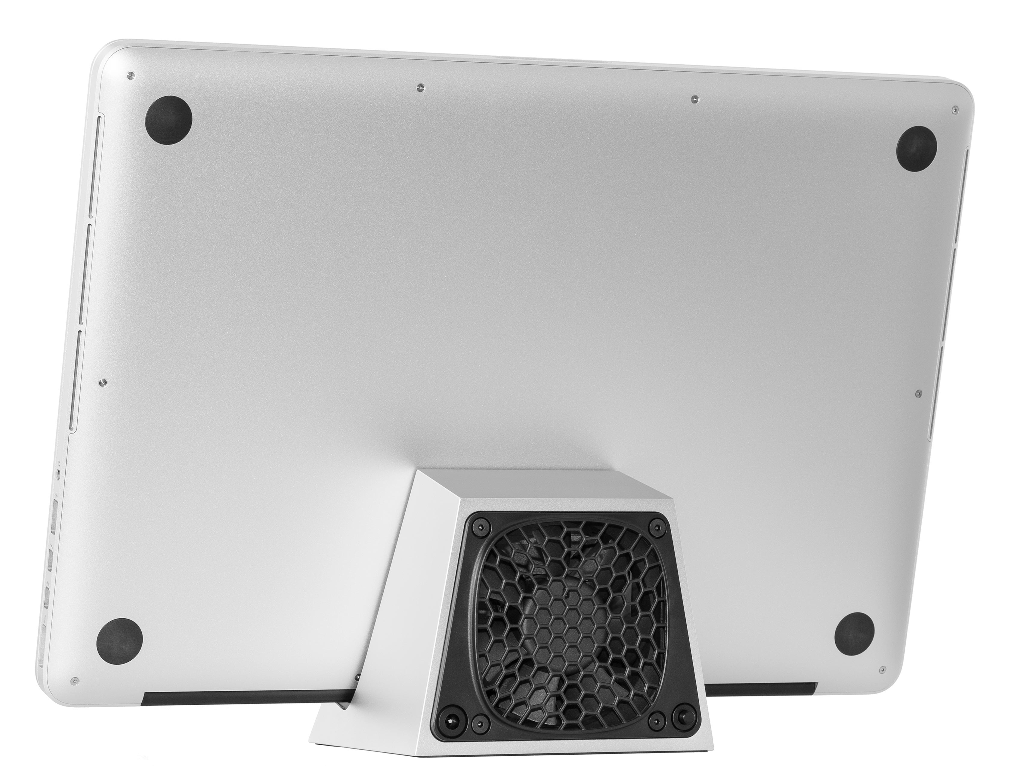 SVALT D Performance Cooling Dock with Apple MacBook Pro 15-inch Retina display back view