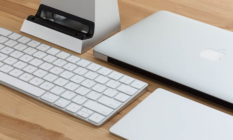 SVALT D Performance Cooling Dock with Apple Magic Keyboard and Trackpad 2