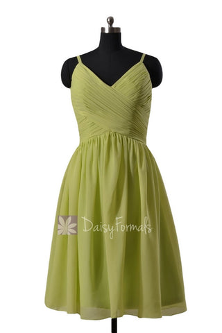 Chic Green Knee Length Bridal Party Dress Chiffon Formal Dress W/V-Neckline(BM8515)