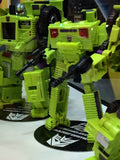 Unite Warriors UW-04 Devastator with Exclusive Collector Coins