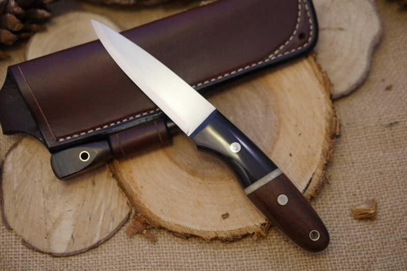 Wayfarer Bushcraft Knife, Black Buffalo Horn Bolster, Walnut Handle Scales