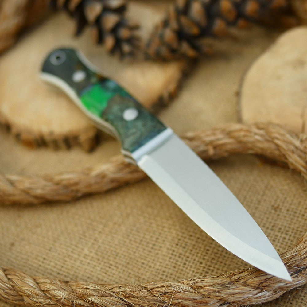 Mountaineer: Green Shockwood & White Linen