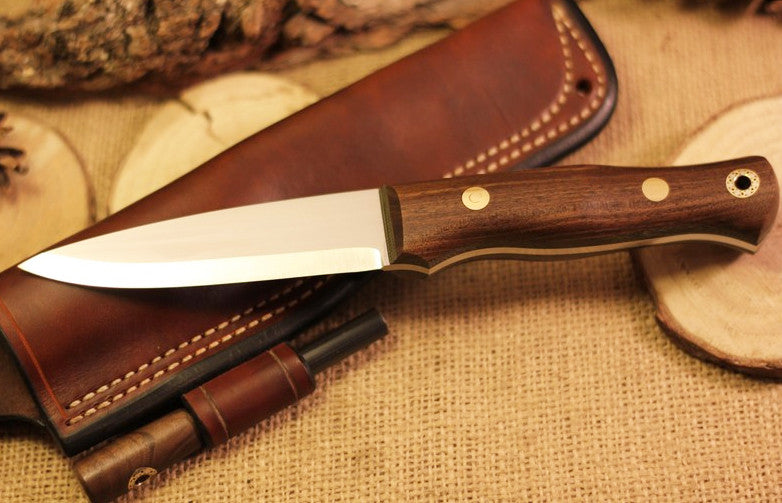 Classic Bushcraft Knife, Walnut