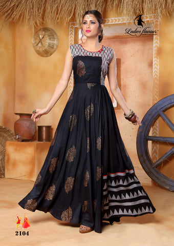 Pehnava long kurta gown - Black