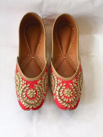 Clemonte Red hand embroidered jutti