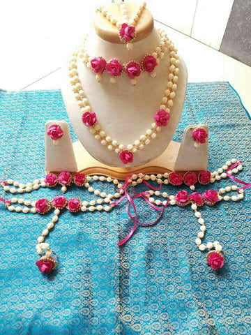 White pink rose floral jewellery set for brides wedding and mehndi
