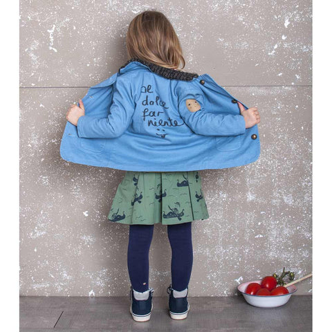 Back view of Girl Wearing Nadadelazos Blue Denim Workers Jacket