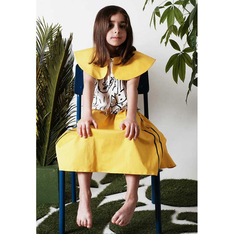 Girl wearing Yellow and white Wolf & Rita Marisa Camoanimaux Cropped Blouse - Yellow Lol
