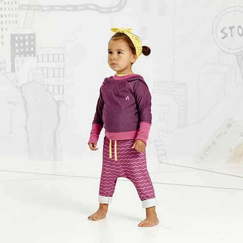 Girl Wearing Albababy Gewis Purple Zig Zag Baby Pants