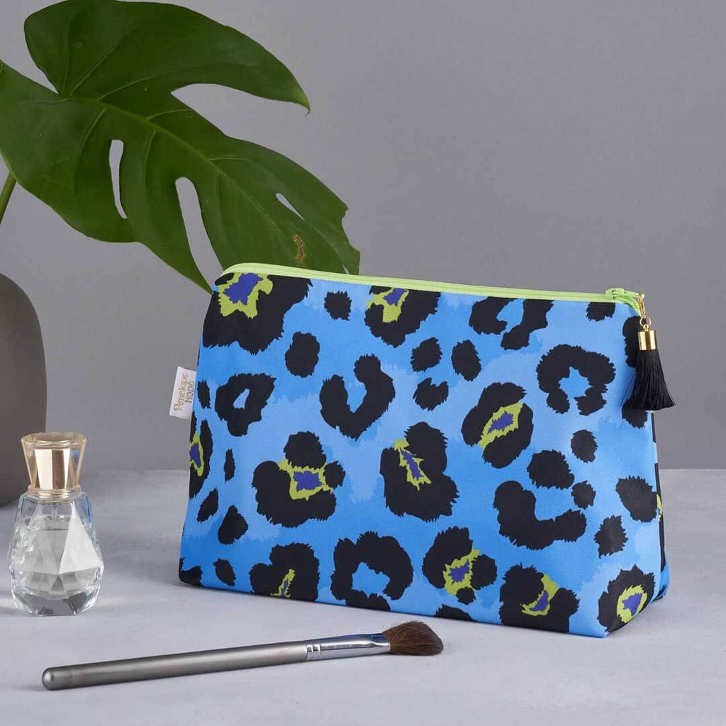 Blue Leopard Print Medium Wash Bag