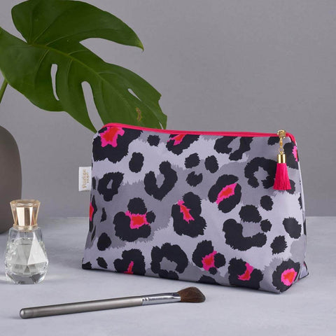 Grey Leopard Print Medium Wash Bag