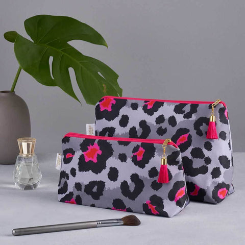 Grey Leopard Print Wash Bag Set