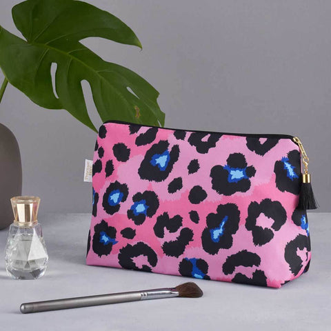 Pink Leopard Print Medium Wash Bag