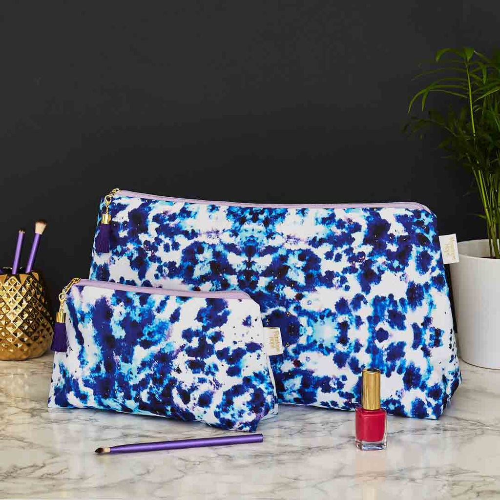 Mesmerise Blue Wash and Makeup Bag Set by Penelope Hope