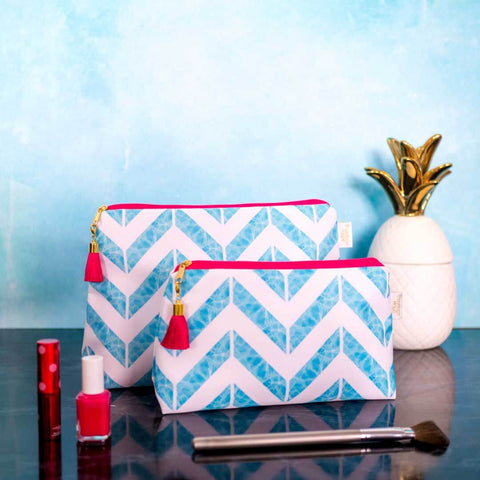 Let's take a dip! Aqua 'Weekend Away' Wash Bag