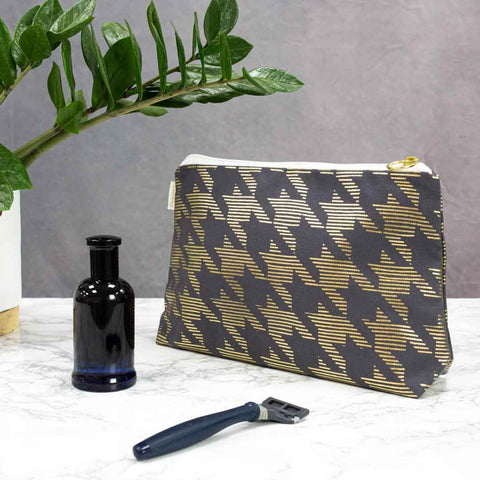 Grey & Gold Dogtooth Men's Wash Bag