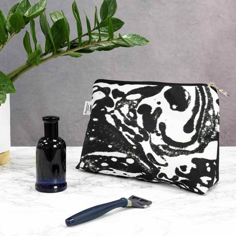 Black Marble Men's Wash Bag